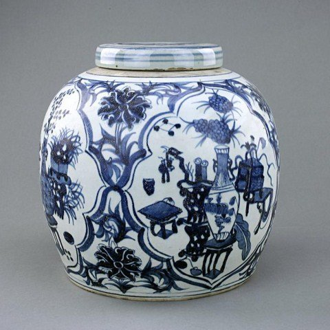 174: CHINESE BLUE AND WHITE JAR AND COVER