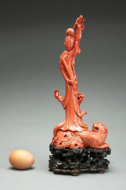 8: ANTIQUE CHINESE CARVED CORAL FIGURE OF A BEAUTY
