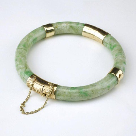 CHINESE JADE BANGLE WITH GOLD CLAMP