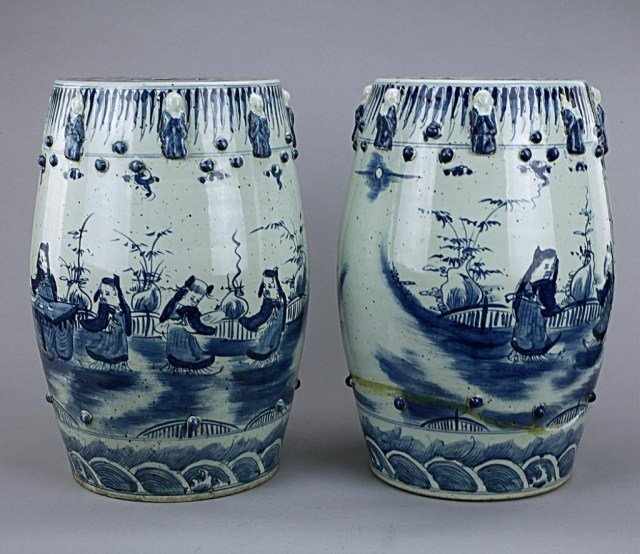 ANTIQUE PAIR OF CHINESE BLUE AND WHITE GARDEN SEATS