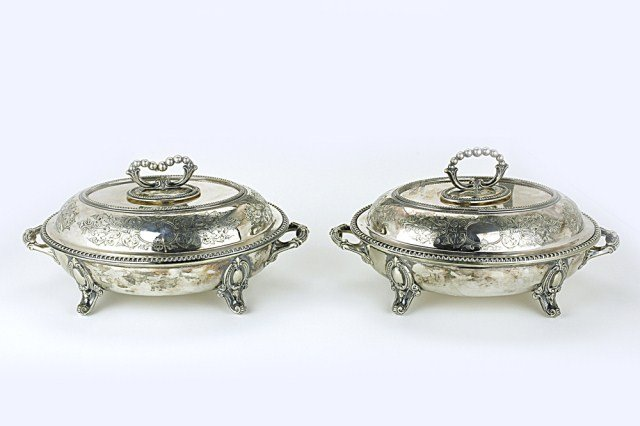 ENGLISH PAIR OF OLD VICTORIAN ENTREE DISHES
