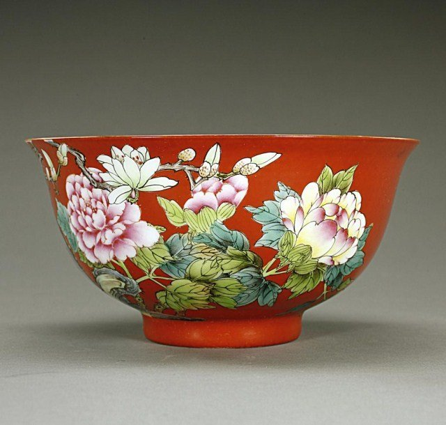 CHINESE FAMILLE ROSE CORAL-RED BACKGROUND BOWL