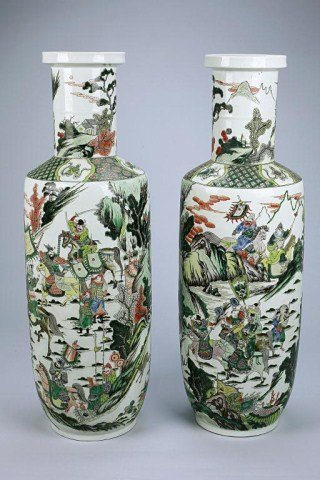 ANTIQUE PAIR OF TALL CHINESE FAMILLE VERTE VASES
