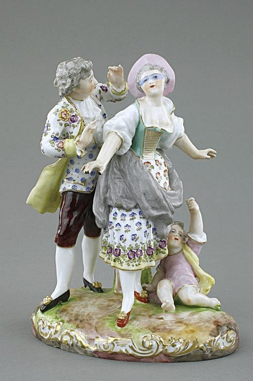 PORCELAIN FIGURAL GROUP OF LOVERS AND A CHILD