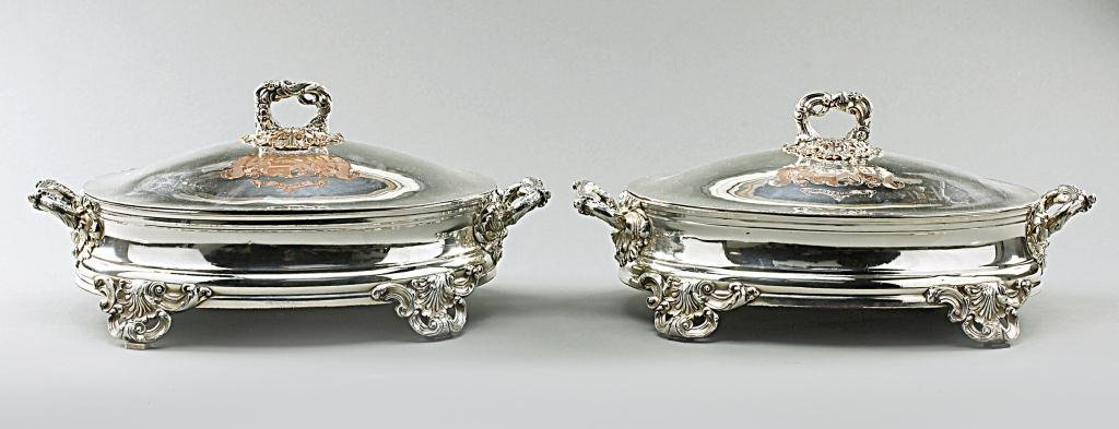 PAIR OF GEORGIAN SHEFFIELD SILVERPLATE ENTREE DISHES