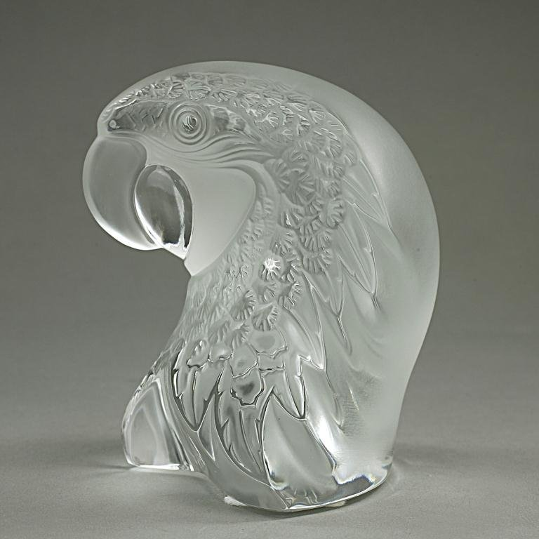 "LALIQUE MACAW ""MACAO"" BIRD FIGURE (11865)"