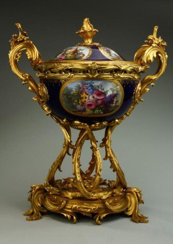 MAGNIFICENT EARLY 19TH CENTURY ENGLISH CENTERPIECE