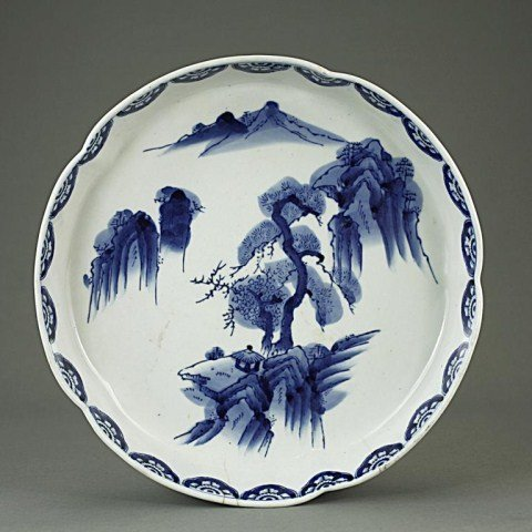 LARGE JAPANESE BLUE AND WHITE SHALLOW BOWL