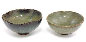 PAIR OF JUNYAO STYLE GLAZED POTTERY BOWLS