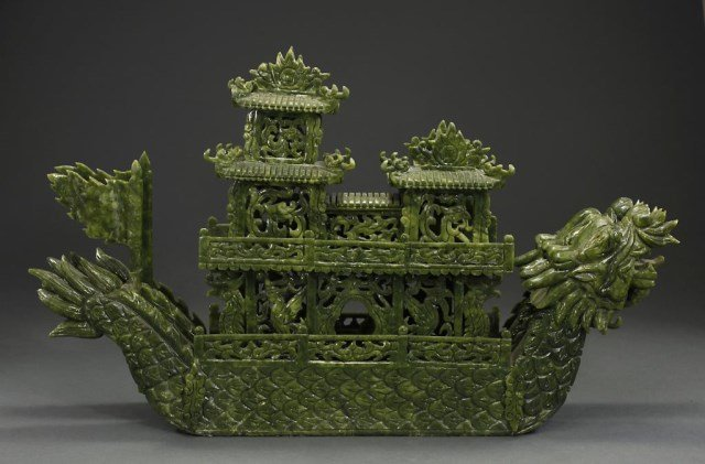 LARGE CHINESE SPINACH GREEN JADE-LIKE BOAT