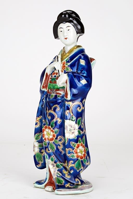 JAPANESE STANDING PORCELAIN GEISHA