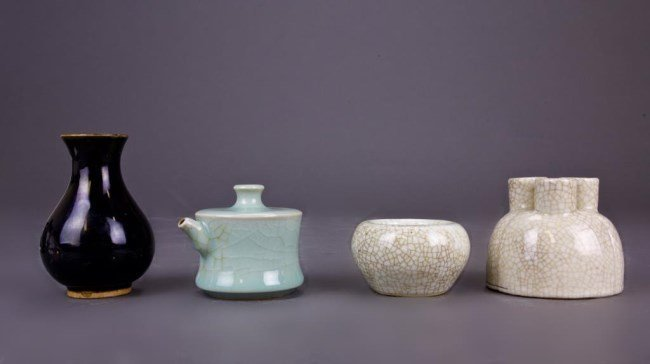 FOUR CHINESE SONG STYLE PORCELAIN PIECES