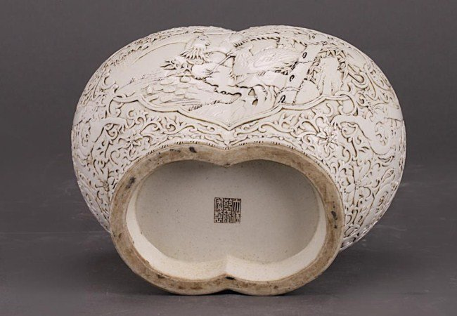 UNUSUAL CHINESE BLANC DE CHINE LIDDED JOINT VASE - 2
