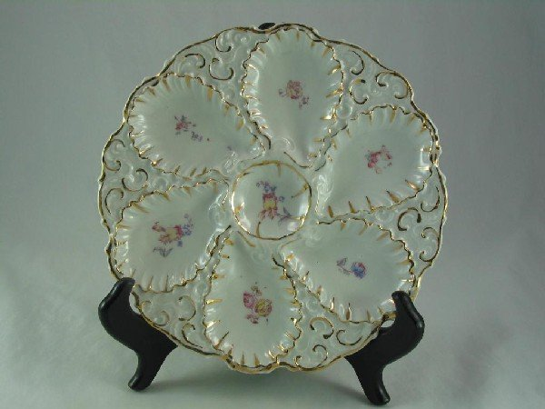 122: Oyster Plate, Pink & Blue Flowers