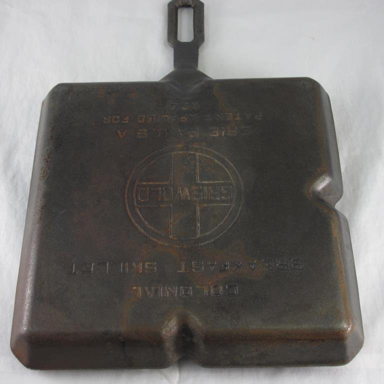 Griswold #666, divided cast iron breakfast skillet - 4