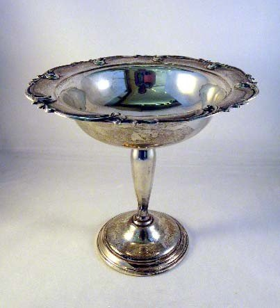 8: AN INTERNATIONAL SILVER FOOTED COMPOTE; weighted rei