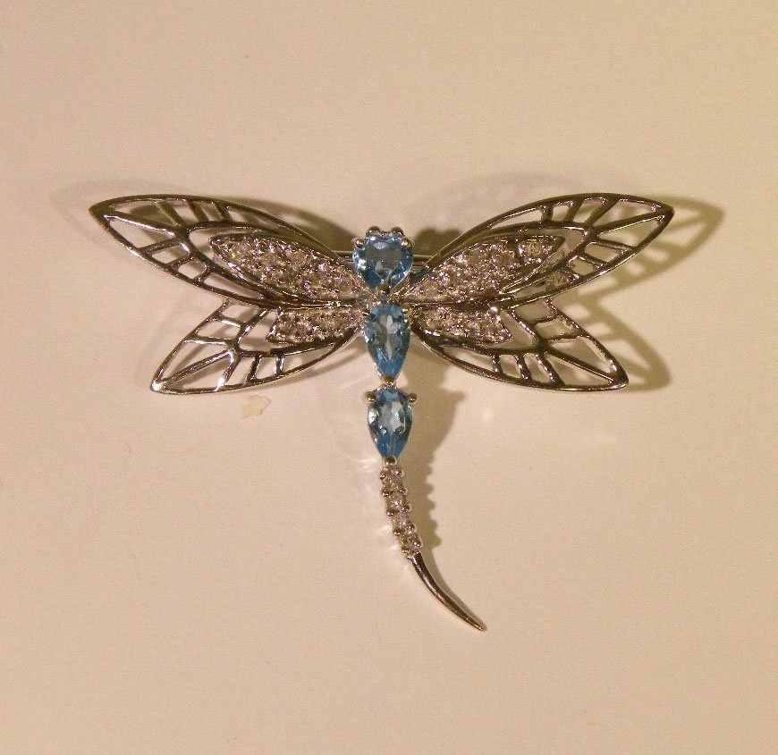 White gold dragonfly brooch