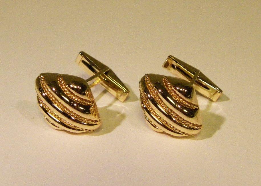 High Quality yellow gold cufflinks