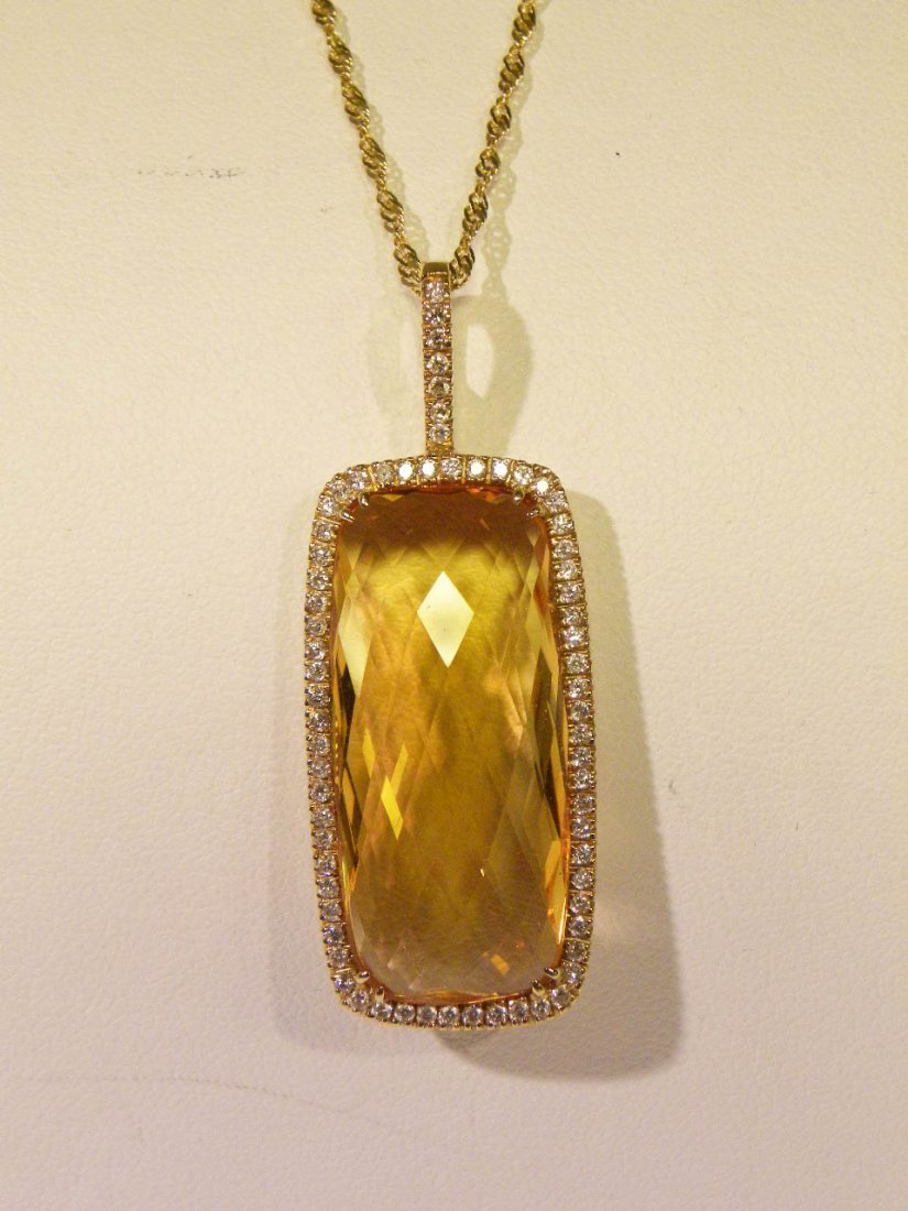 Exquisite diamond and citrene pendant
