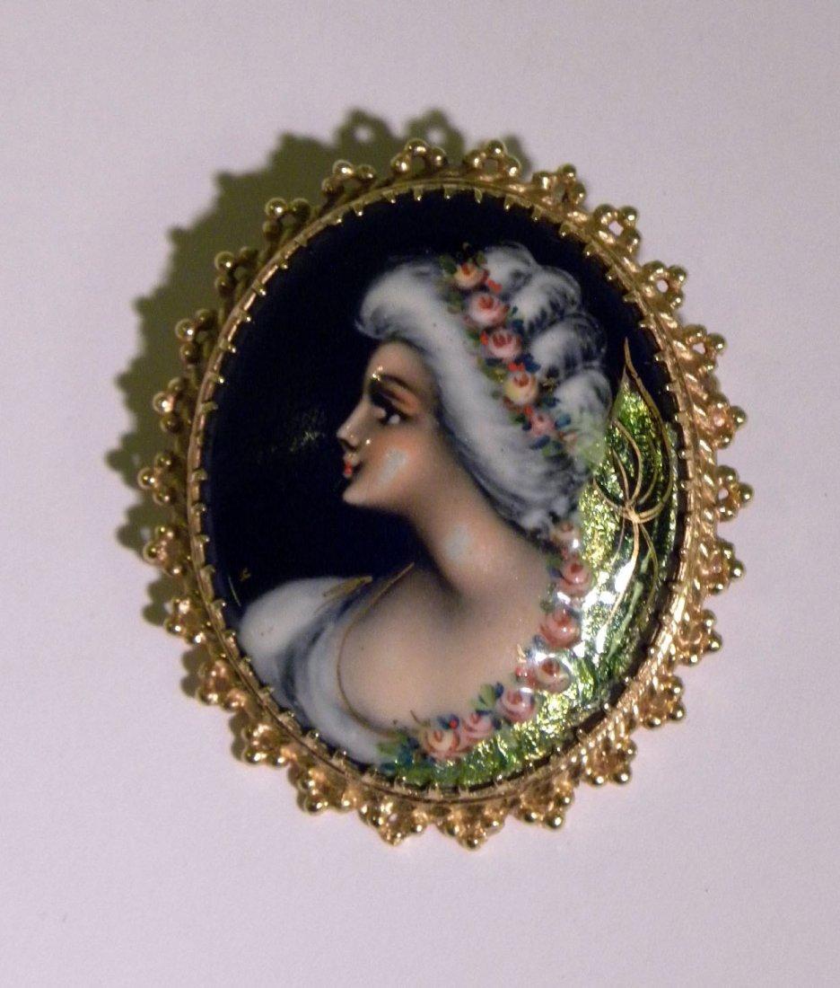 Antique Handpainted Cameo brooch / pendant