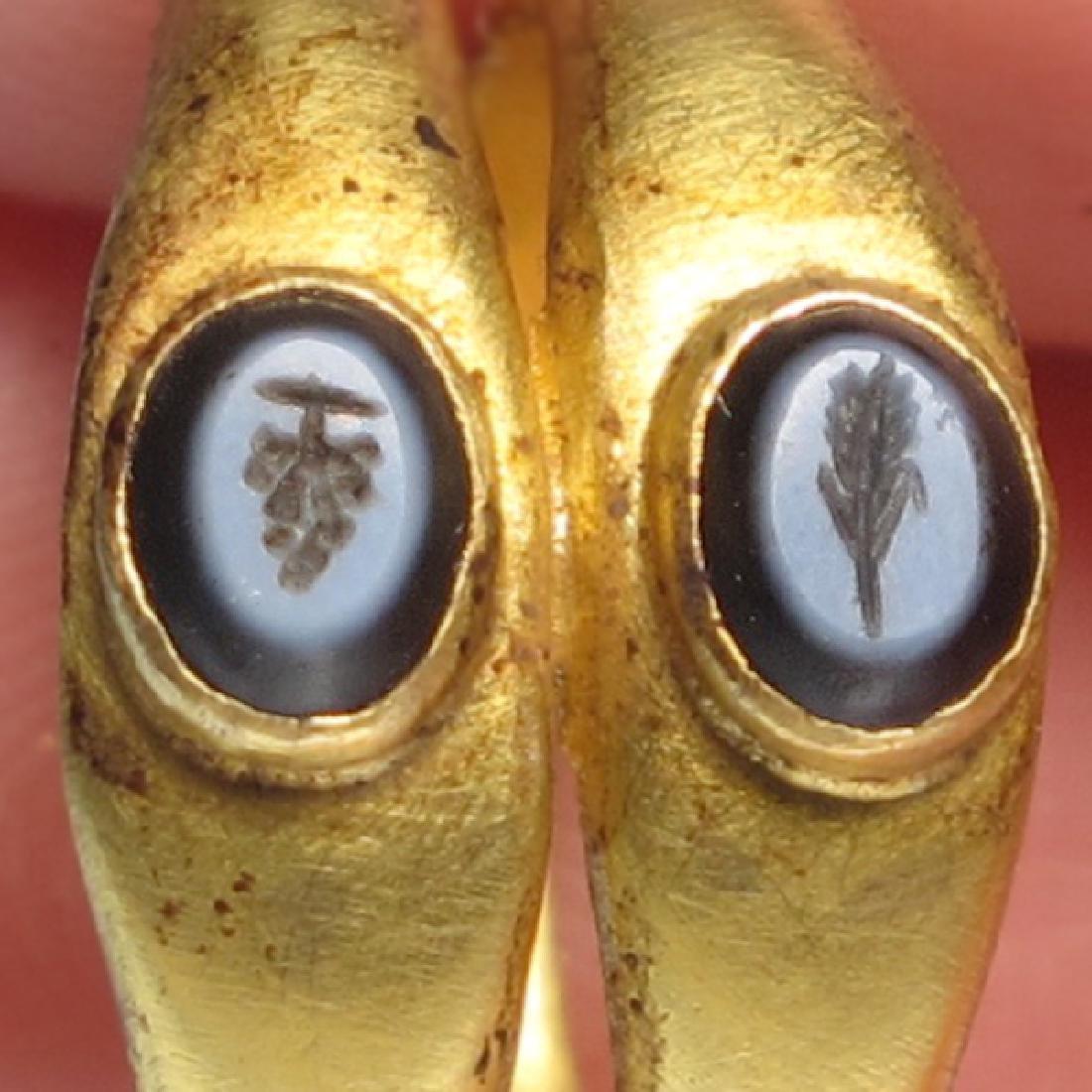 Roman Gold Double Ring, Onyx Intaglios, c. 2nd Century - 3
