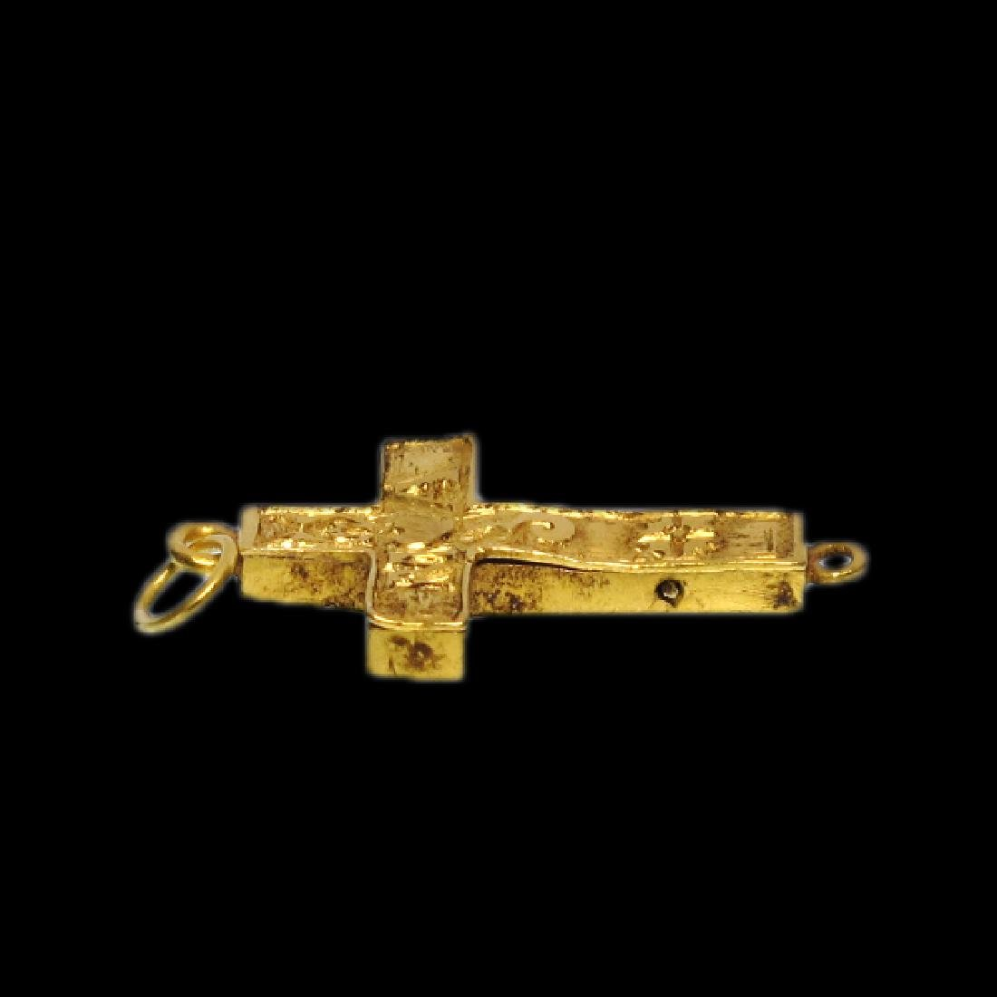 Very Fine Medieval Engraved Reliquary Gold Cross - 3