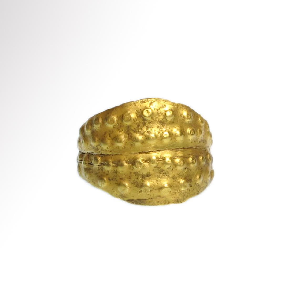 Viking Gold Ring with Punched Decoration, 11th Century - 2