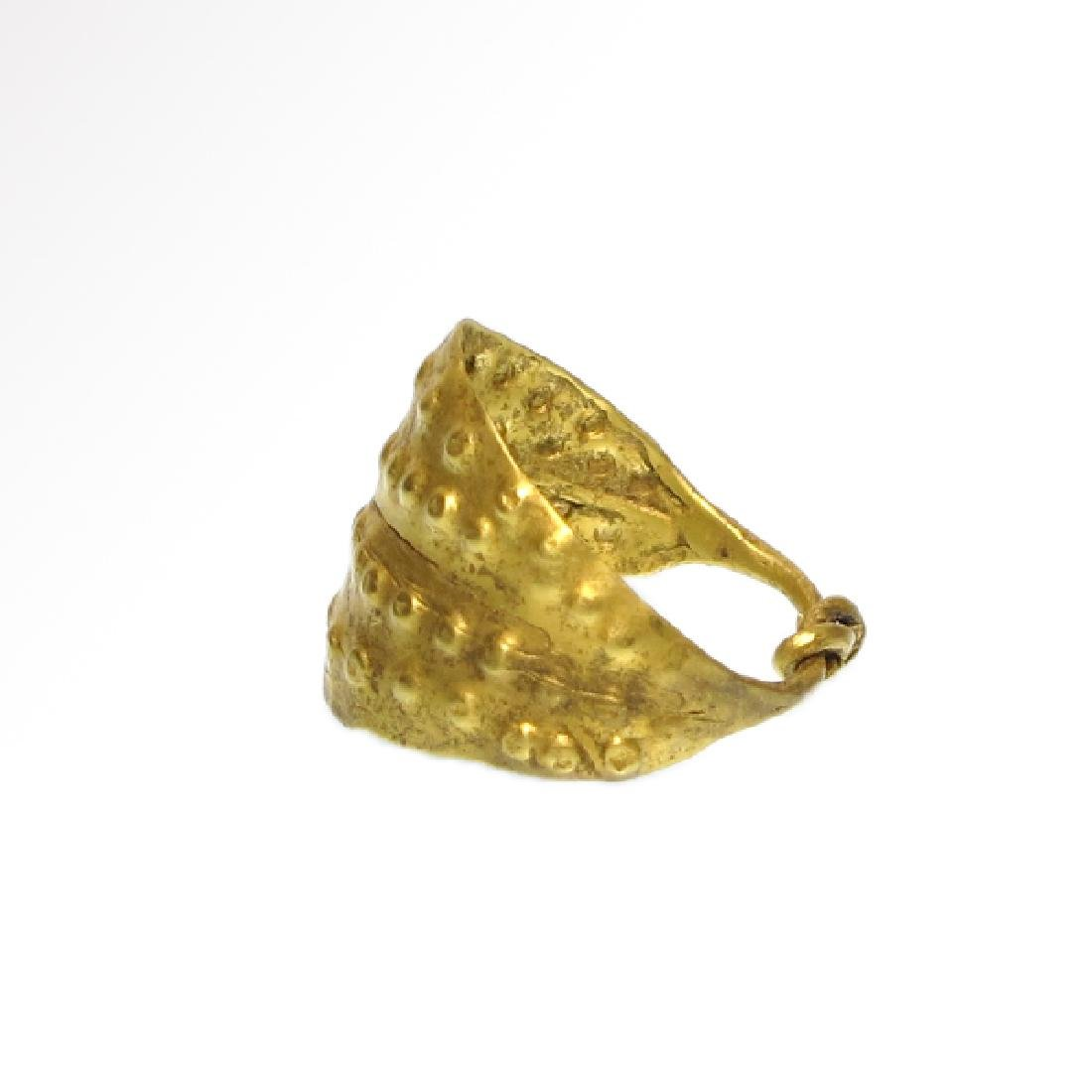 Viking Gold Ring with Punched Decoration, 11th Century - 4