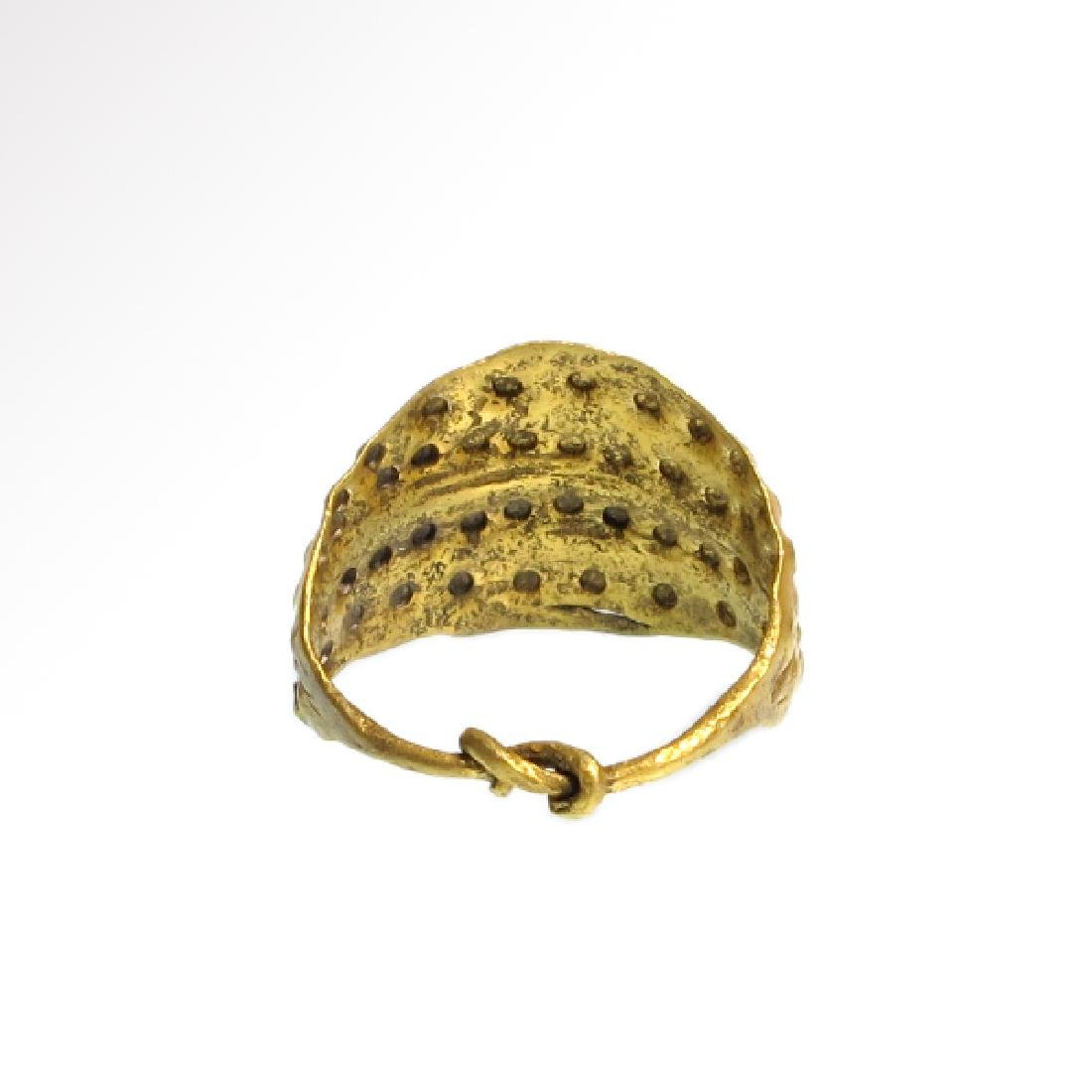 Viking Gold Ring with Punched Decoration, 11th Century - 5