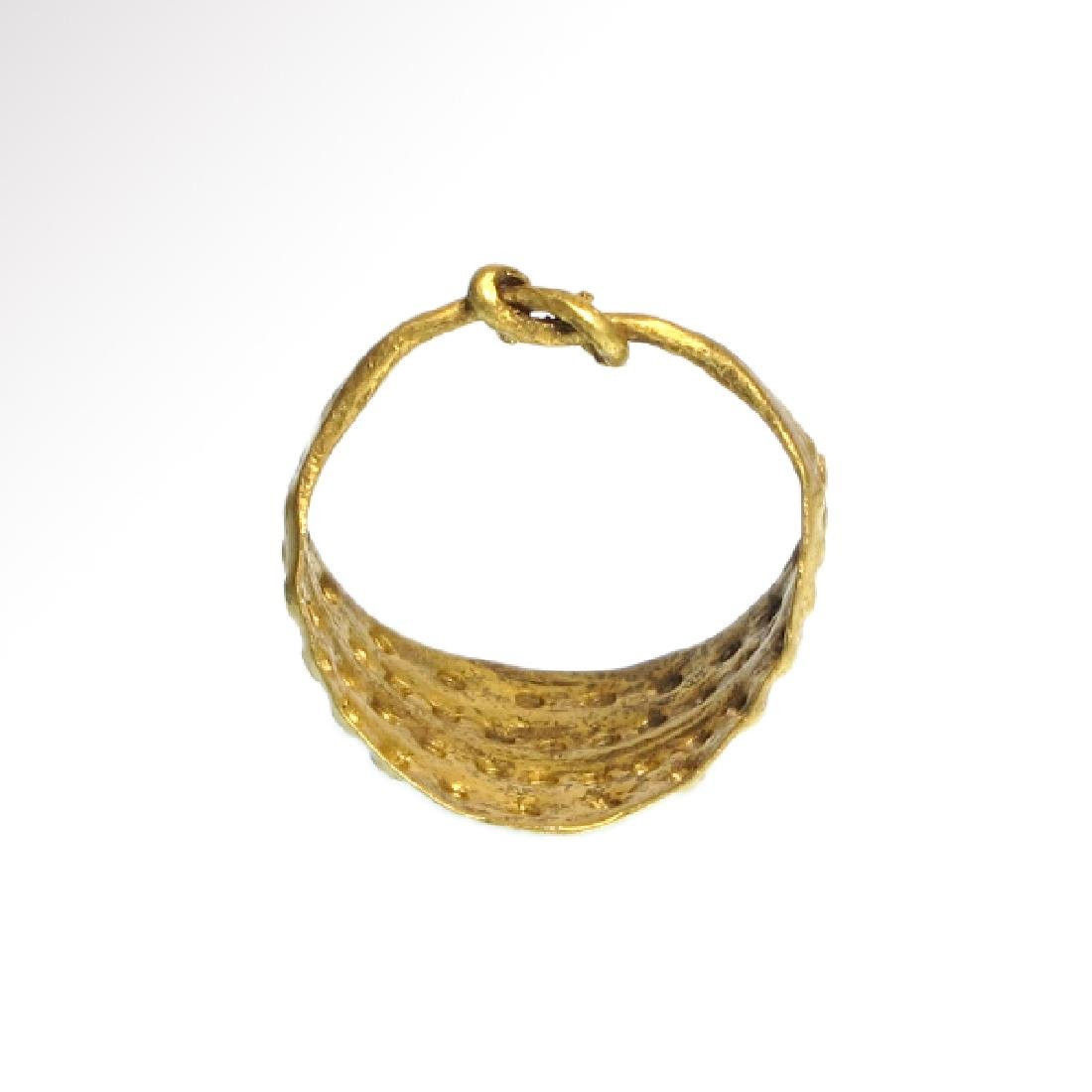 Viking Gold Ring with Punched Decoration, 11th Century - 6