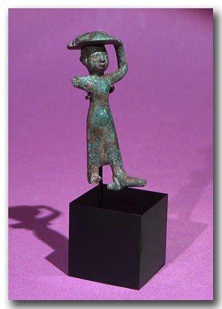 18: Egyptian Bronze Figure of an Attendant. Rare.
