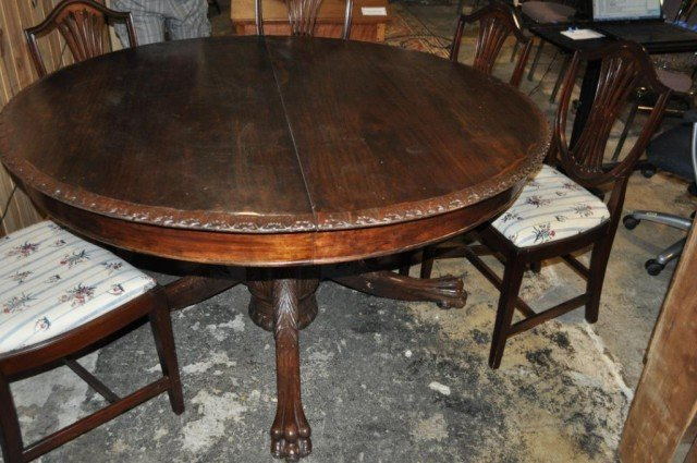 7: Single Pedestal Dining Table