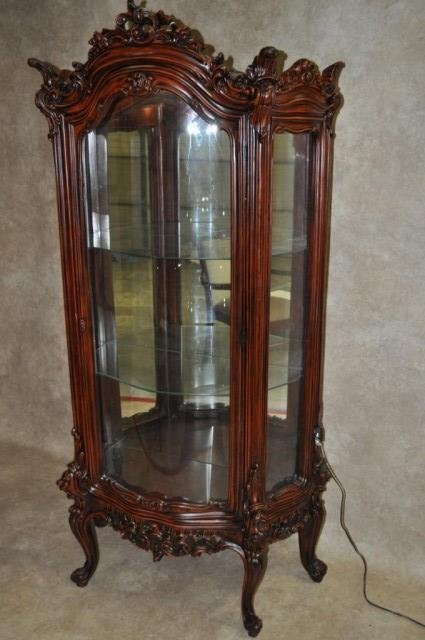 19: Vitrine with Mirrored Back and Lighted Interior