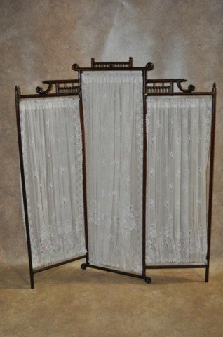 20: Stick and Ball Dressing Screen