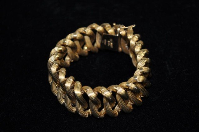158: Tiffany and Co. Retailer 18kt Yellow Gold Bracelet