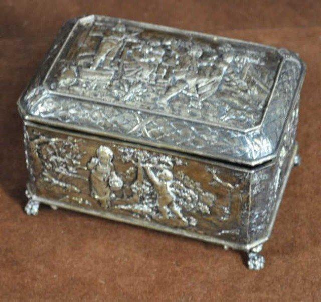 224: 18th Century Continental 800 Silver Box