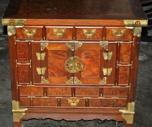 25: Chinese Tea Chest