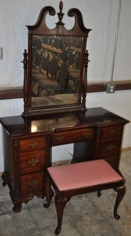 Kling Dressing Table with Mirror and Stool