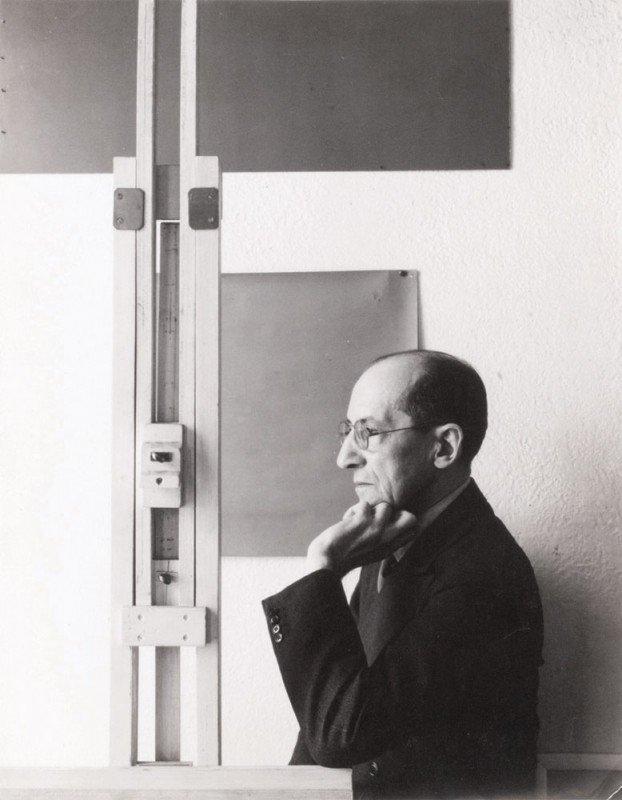 4: Harry HOLTZMAN-Portrait de Mondrian au chevalet