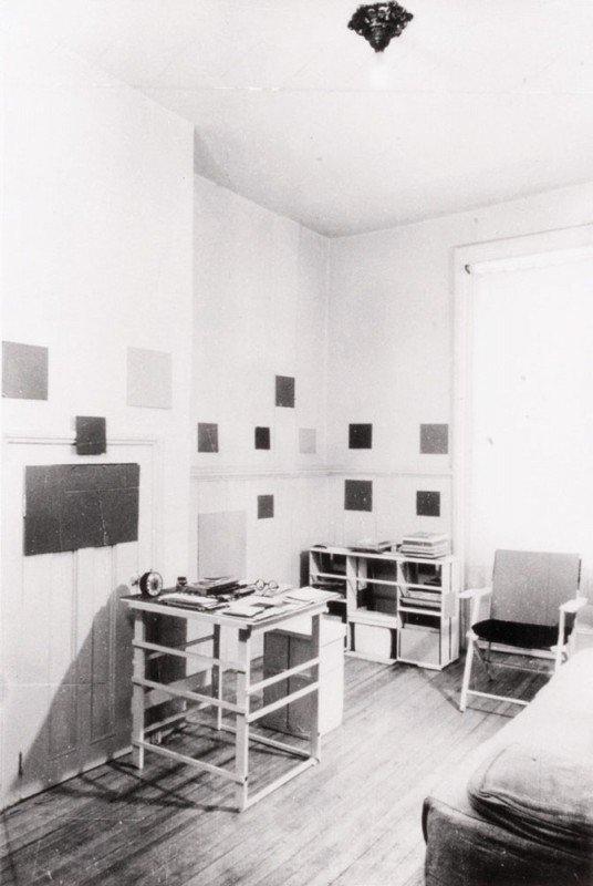 10: ANONYME-Chambre de Mondrian à NYC, 1944