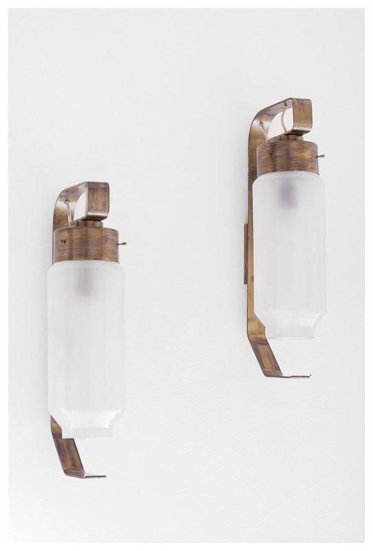 13: Coppia di lampade da parete