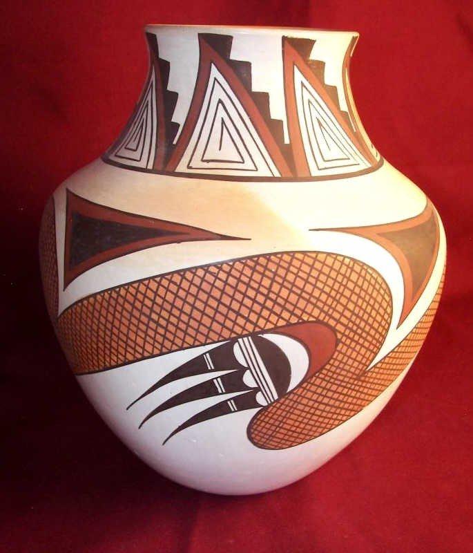 124: Hopi Pottery Jar by Fawn Navasie