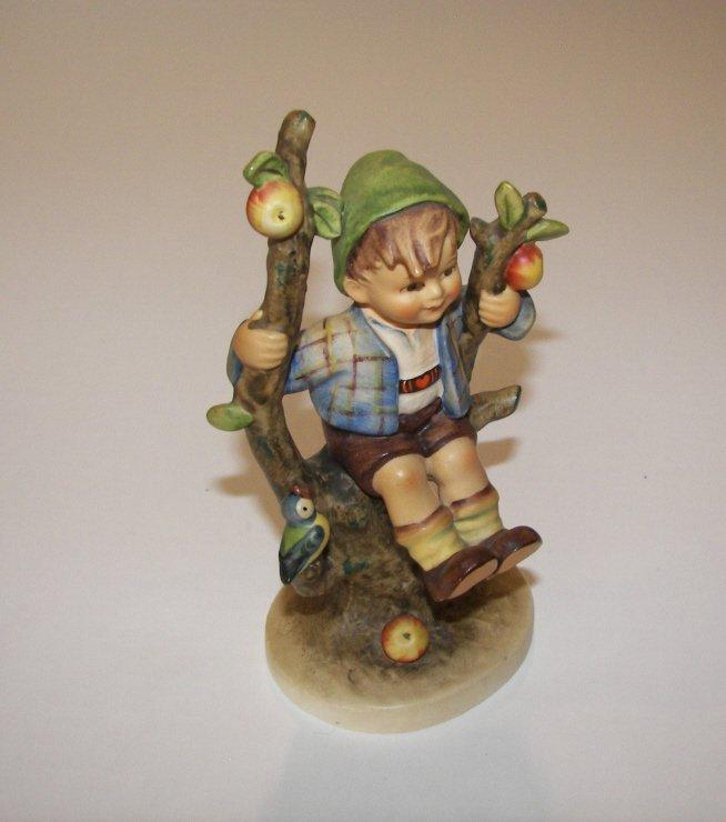 "17: Goebel Hummel Figurine "" Apple Tree Boy  """