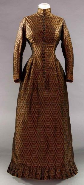 COPPER SILK BROCADE DINNER DRESS, 1880-1890