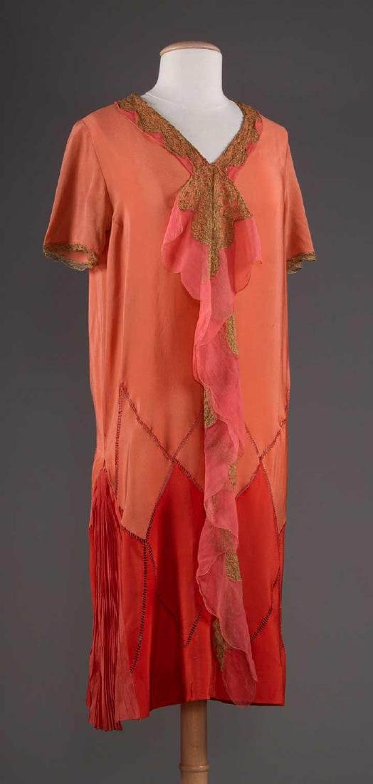 THREE SILK CREPE SUMMER DRESSES, 1920-1930 - 4