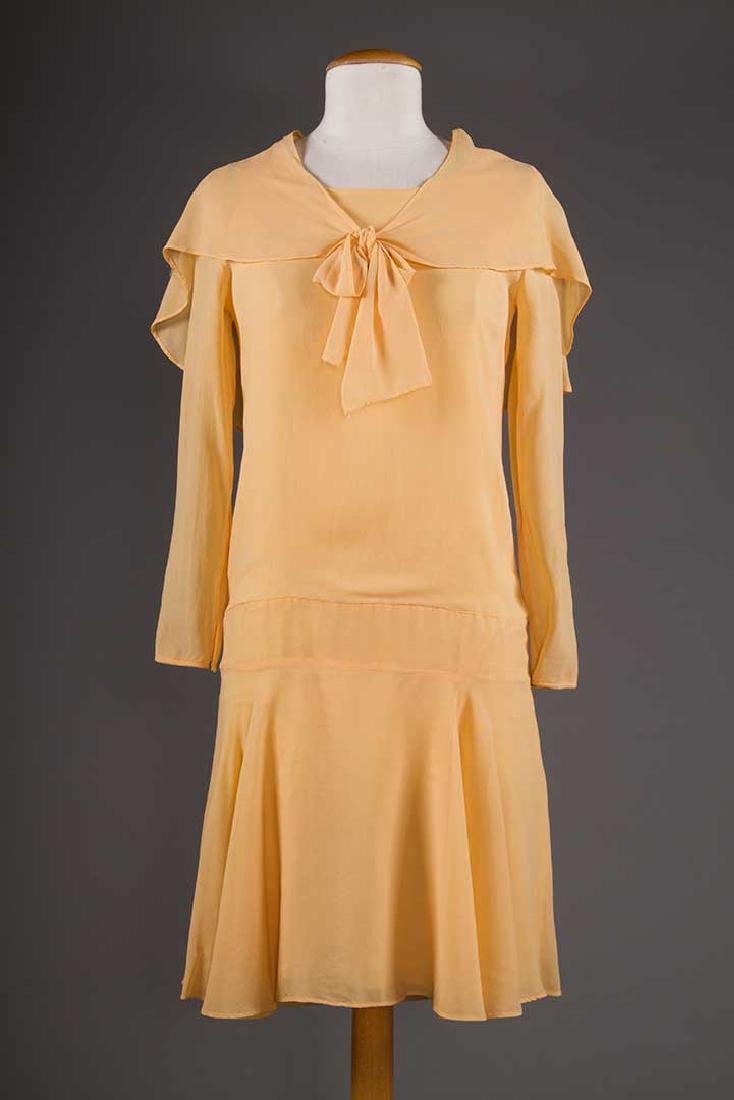 THREE SILK CREPE SUMMER DRESSES, 1920-1930 - 6
