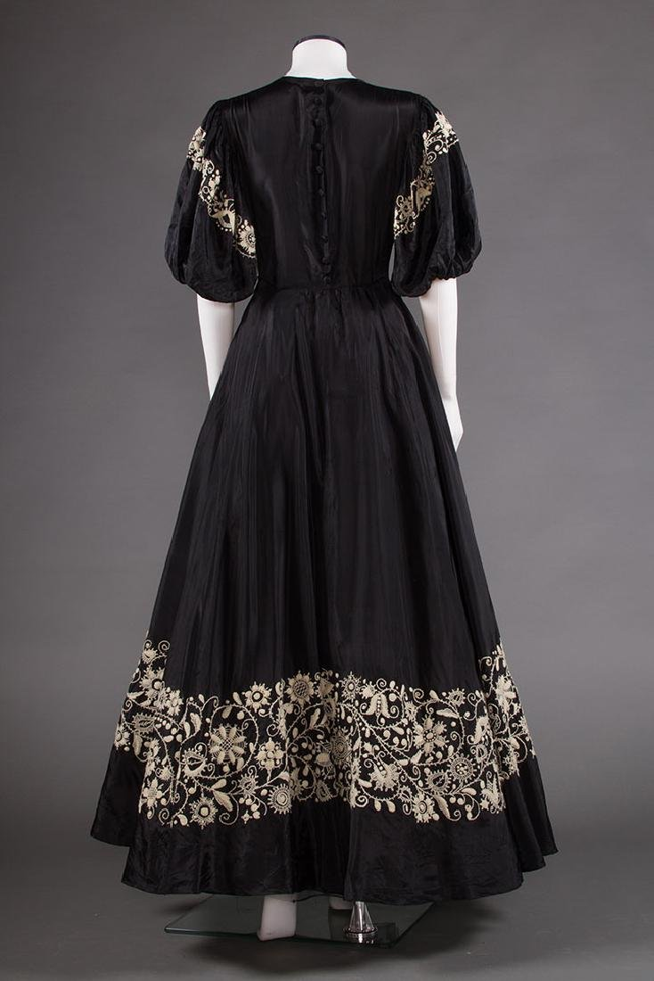 EMBROIDERED BLACK RAYON GOWN, 1940s - 4