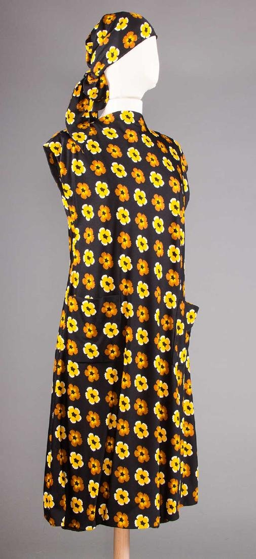 TWO PRINTED TRIGERE DRESSES, 1960-1970 - 4