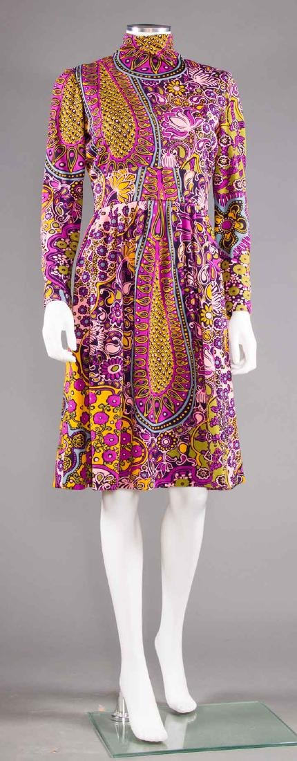 TWO PRINTED TRIGERE DRESSES, 1960-1970 - 7