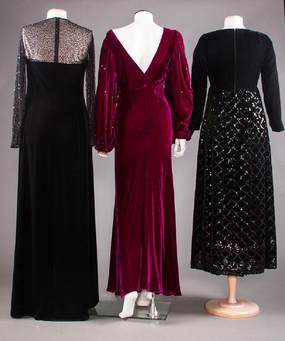 THREE VELVET EVENING GOWNS, 1930-1980 - 3